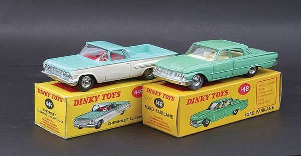 3019: Dinky Ford Fairlane and a Pick-up Truck