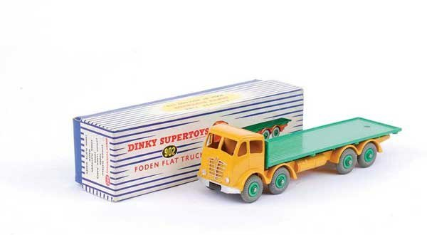 1094: Dinky No.902 Foden Flat Truck
