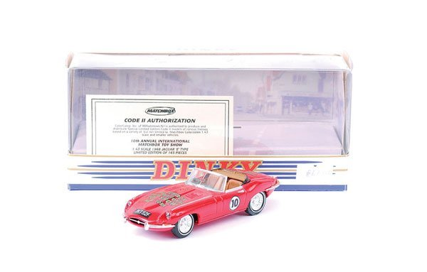 "2238: Matchbox DY18 Jaguar E-type ""New York 2003"""