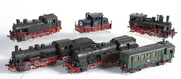 3005: HO - A Group of Unboxed Locos