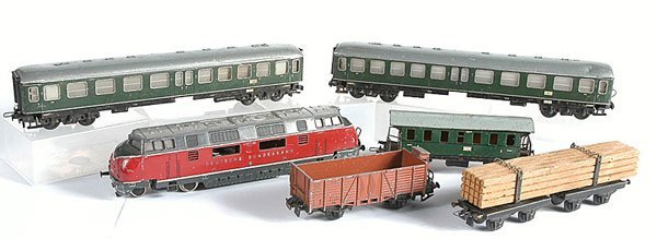 3021: HO Loco and Tinplate Rolling Stock
