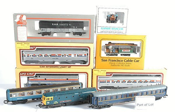 3022: HO Gauge Loco and Rolling Stock