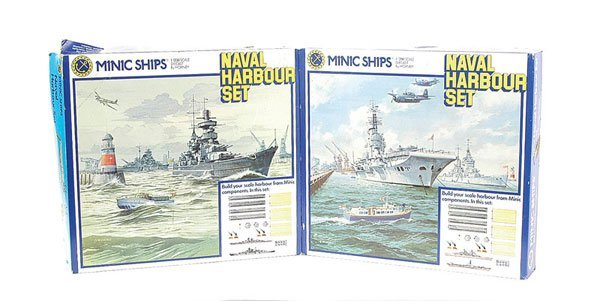 1: Triang Minic Ships Naval Harbour Set