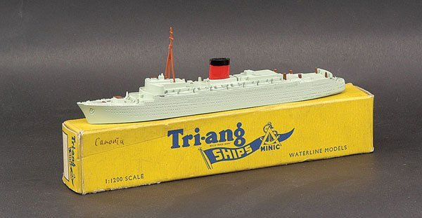 """7: Triang Minic Ships M701 RMS """"Caronia"""""""