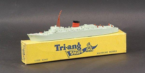 """8: Triang Minic Ships M701 RMS """"Caronia"""""""