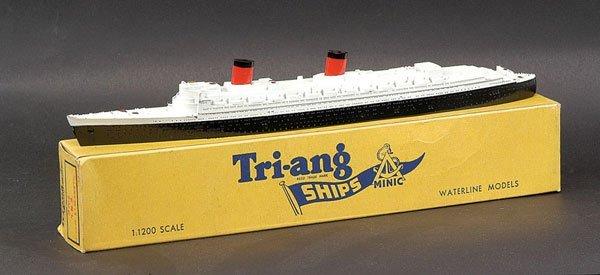 "9: Triang Minic Ships M702 RMS ""Queen Elizabeth"""