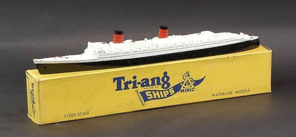 "10: Triang Minic Ships M702 RMS ""Queen Elizabeth"""