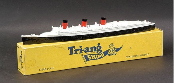 """11: Triang Minic Ships M703 RMS """"Queen Mary"""""""