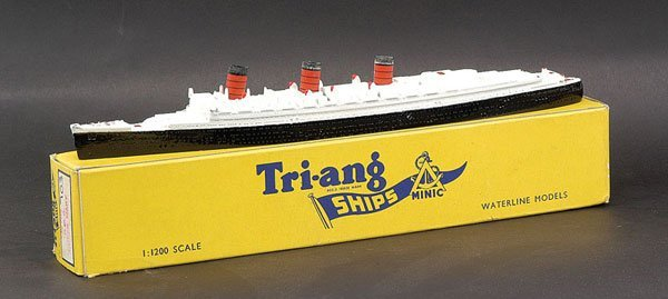 """12: Triang Minic Ships M703 RMS """"Queen Mary"""""""