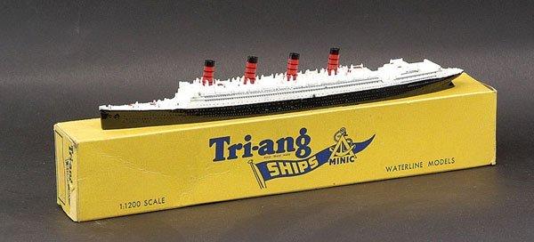 """15: Triang Minic Ships M705 RMS """"Aquitania"""""""