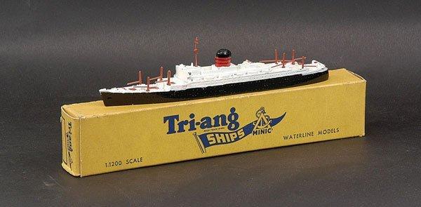 """23: Triang Minic Ships M710 RMS """"Sylvania"""""""