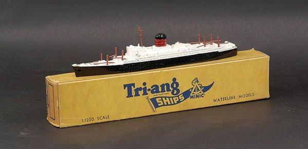 "24: Triang Minic Ships M711 RMS ""Carinthia"""