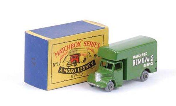 1002: Matchbox No.17b Bedford Removals Van