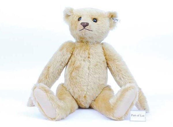 2001: Steiff British Collectors 1907 Replica Bear