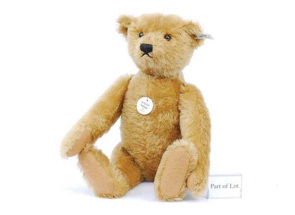 2002: Steiff 1906 Blond 43 Teddy Bear Replica