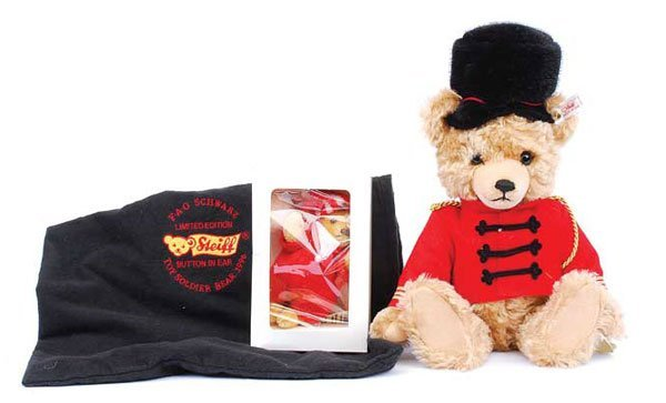 2010: Steiff FAO Schwarz Musical Toy Soldier Bear