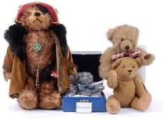 2209: Collection Modern Teddy Bears