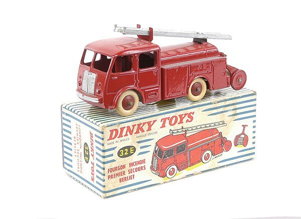 2020: French Dinky No.32E Berliet Fire Engine