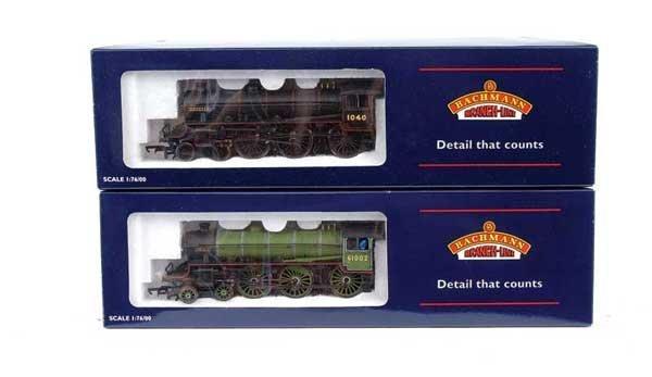 3015: Bachmann - 2 x 4-6-0 B1 Class Steam Locos