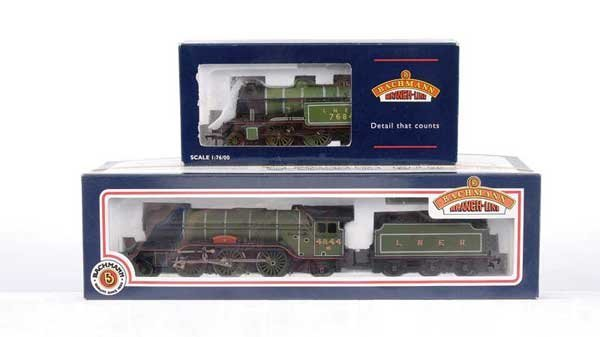 3016: Bachmann - 2 x 2-6-2 LNER Steam Locos