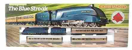 3148: Hornby Railways R682 The Blue Streak Train Set