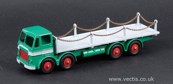 2452: Dinky No.935 Leyland Octopus Truck with Chains