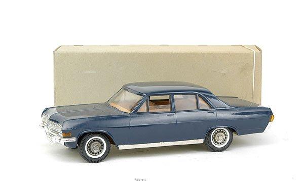 617: Gama No.575 Opel Admiral 4-door Saloon