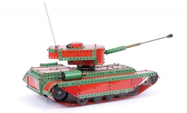 4023: Meccano Model of a Centurion Tank