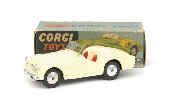 1507: No.301 Corgi Triumph TR2