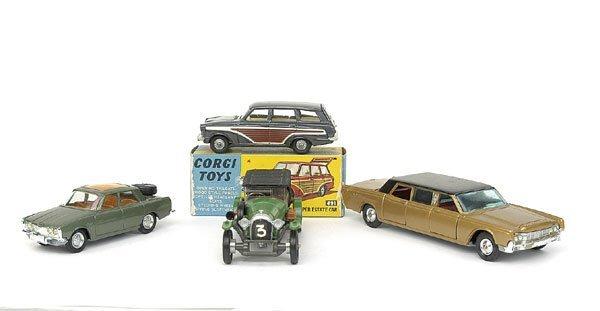 1517: A Group of 4 Corgi Toy Saloon Cars