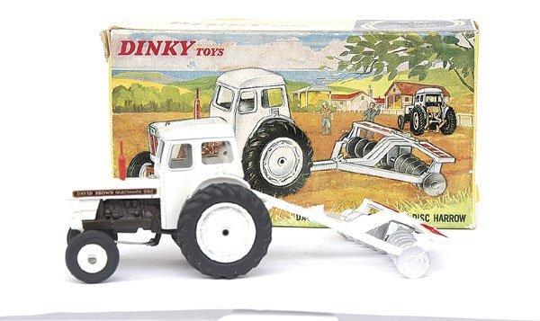 1727: Dinky No.325 David Brown 990 Tractor & Harrow