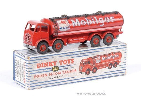 2017: Dinky No.941 Mobilgas Tanker