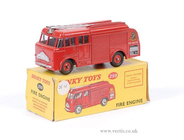 2021: Dinky No.259 Fire Engine with Plastic Hubs