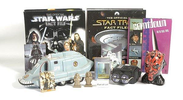 3002: Kenner Star Wars Figures & Accessories