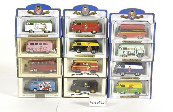 3004: Oxford Diecast and Lledo - A Group of VW Vans