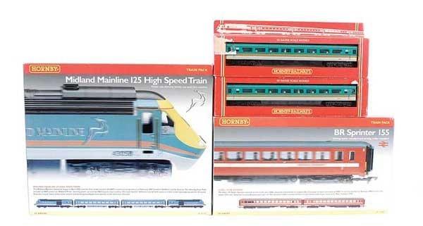 4004: Hornby Railways - A Pair of Diesel Units