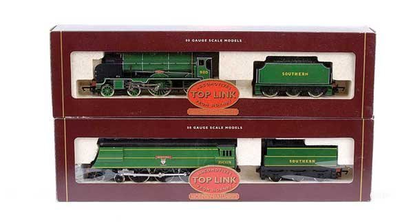 4011: Hornby - 2 x Steam Locos