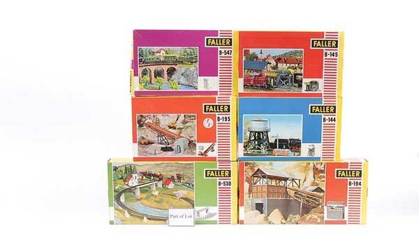 4349: HO - A Group of Unbuilt Lineside Kits