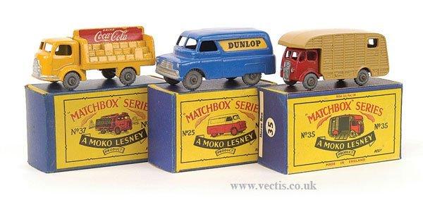 """1011: Matchbox No.25a Bedford Van """"Dunlop"""" & Others"""