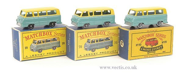 1017: Matchbox No.70a Ford Thames Estate x 3