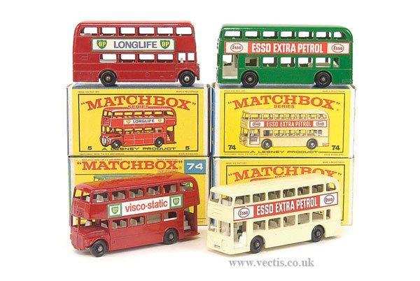 1018: Matchbox Regular Wheels - A Group of Buses