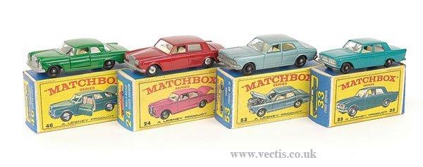 1020: Matchbox Regular Wheels - A Group of Cars