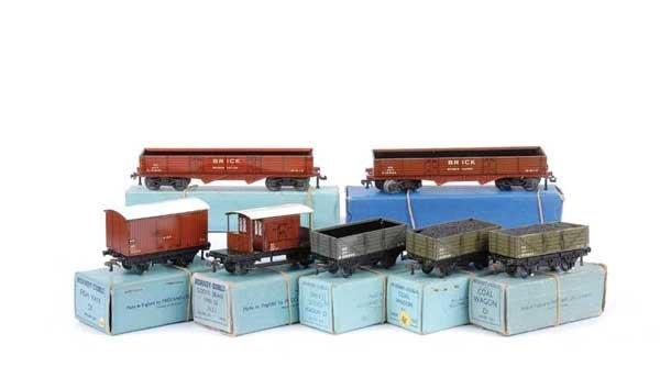 4135: Hornby Dublo 3-rail NE Goods Wagons