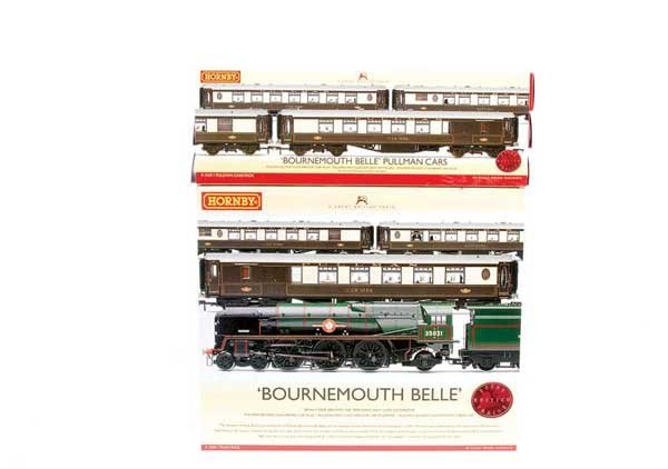 """4004: Hornby R2300 """"The Bournemouth Belle"""" Train Pack"""