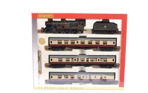 4010: Hornby R2133M BR Western Region Train Pack