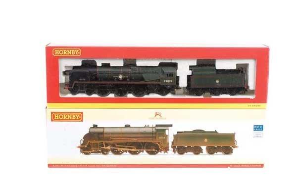 4016: Hornby - 2 x BR (SR) Green Steam Locos