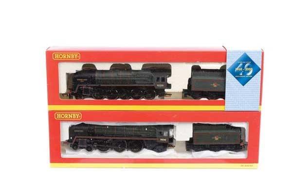 4017: Hornby - 2 x BR Green (Tender Drive) Steam Locos