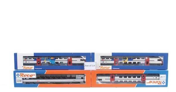 4266: Roco SBB Bi-Level Passenger Coaches