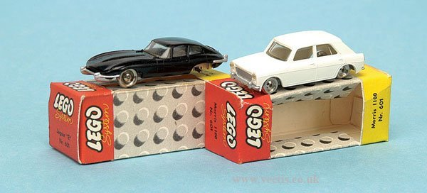 871: Lego System Jaguar & Morris 1100