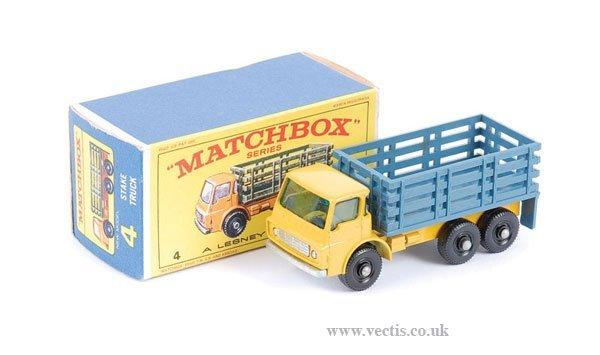 1002: Matchbox No.4c Dodge Cattle Truck